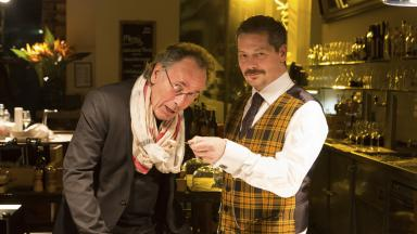 """Hugo Egon Balder spielt sich selbst bei """"Falk"""""""